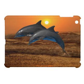Dauphin de Bottlenose au coucher du soleil Coques iPad Mini