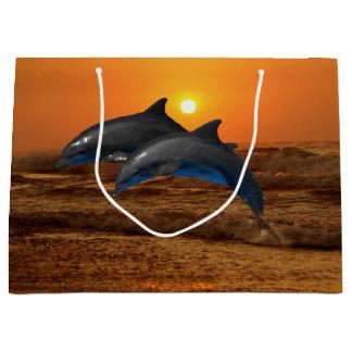Dauphin de Bottlenose au coucher du soleil Grand Sac Cadeau