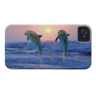Dauphin de Bottlenose au lever de soleil Coque iPhone 4 Case-Mate