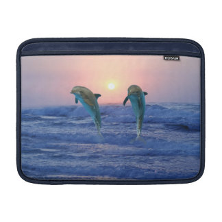 Dauphin de Bottlenose au lever de soleil Poche Macbook