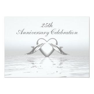 Dauphins et coeur argentés d'anniversaire carton d'invitation  12,7 cm x 17,78 cm