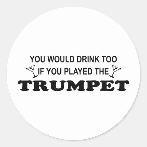 De boissons trompette trop - adhésif rond