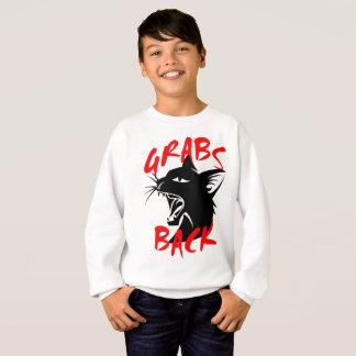 De grippages le sweatshirt du garçon de retour