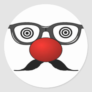 De moustache étrange en verre de yeux de nez rouge sticker rond