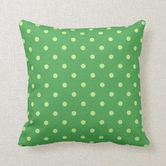 Décor vert de maison de carreau de motif de point coussins carrés