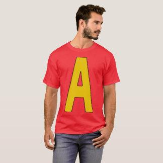 Décoré d'un monogramme une chemise t-shirt