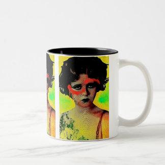 Déesse de graffiti mug bicolore