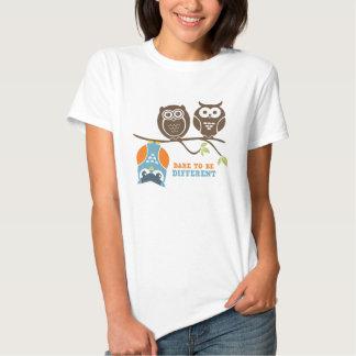 Défi mignon de T-shirt de bande dessinée de hibou