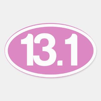 Demi d'autocollant de marathon du rose 13,1 sticker ovale