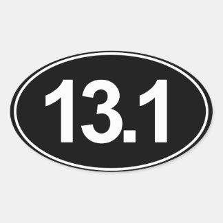 Demi d'autocollant d'ovale du marathon 13,1 (noir) sticker ovale