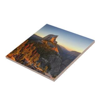 Demi de dôme au détail de coucher du soleil - petit carreau carré