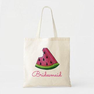 Demoiselle d'honneur rose de pastèque épousant sac