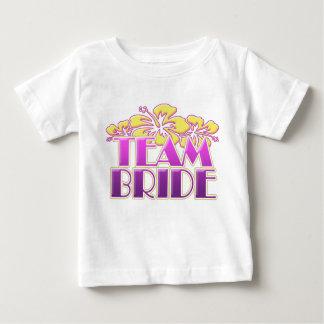 Demoiselles d'honneur florales de jeune mariée t-shirts