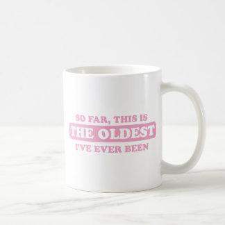 dentelez jusqu'ici, ceci est le plus vieux que mug blanc