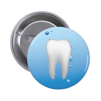 Dentiste dentaire blanc de bureau de dent et d'eau pin's