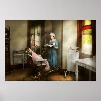 Dentiste - le patient est une vertu 1920 poster