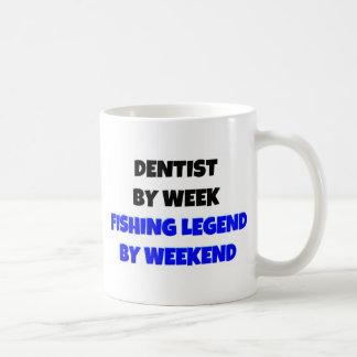 Dentiste par légende de pêche de semaine par mug