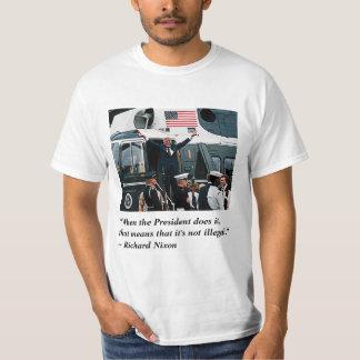 Départ de démission de Nixonian de l'atout T-shirt