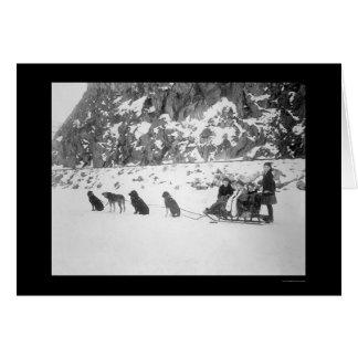 Déplacement par le traîneau Canada 1912 de chien Carte De Vœux