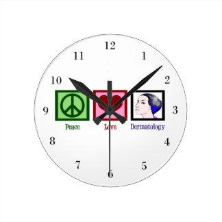 Dermatologie d'amour de paix horloge ronde
