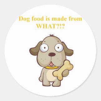 Des aliments pour chiens drôles sont faits à sticker rond