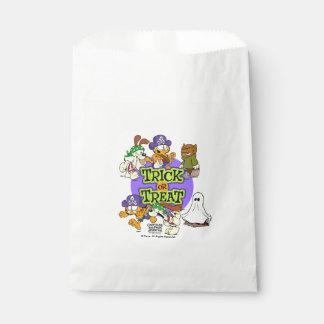 Des bonbons ou un sort sachets en papier