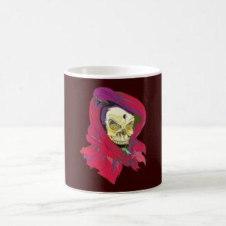 Des crânes tête de mort capuche rouge skull parler mug blanc