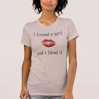 des lèvres, j'ai embrassé une fille, et j'aime… - t-shirt