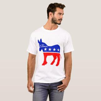 Des nouveaux le T-shirt hommes moraux de majorité