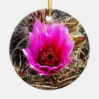 Désert de floraison de cactus (figue de Barbarie) Ornement Rond En Céramique