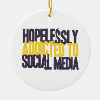 Désespérément dépendant aux médias sociaux ornement rond en céramique