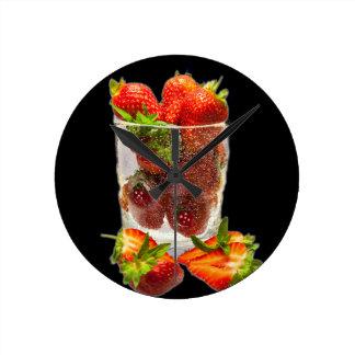 Dessert de fraise horloge ronde