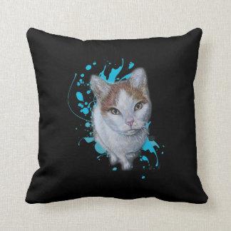 Dessin d'art de chat avec le coussin bleu de