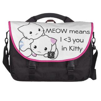 Dessin mignon de chaton de garçon et de fille dans sacoche pour ordinateurs portables