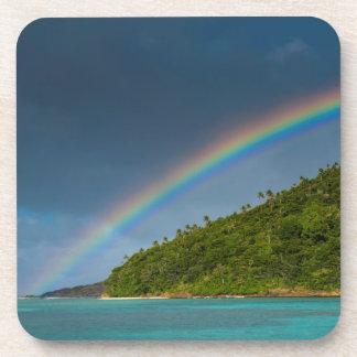 Dessous-de-verre Arc-en-ciel au-dessus d'île, Samoa américaines
