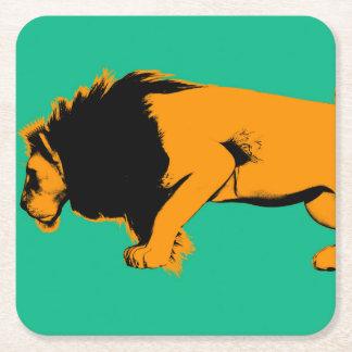 Dessous-de-verre Carré En Papier Chat contre le lion prêt à combattre ou prendre