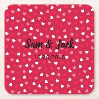 Dessous-de-verre Carré En Papier Coeurs minuscules de Valentine dans le rose blanc