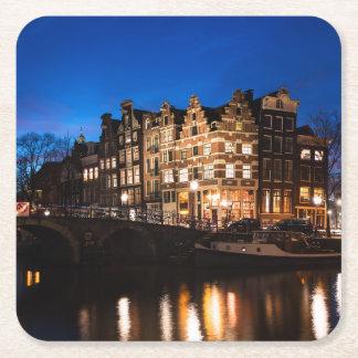Dessous-de-verre Carré En Papier Maisons de canal d'Amsterdam la nuit
