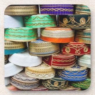 Dessous-de-verre Casquettes arabes au marché