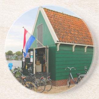 Dessous De Verre En Grès Bicyclettes, village néerlandais de moulin à vent,