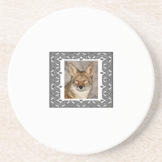Dessous De Verre En Grès coyote dans un cadre