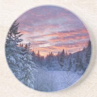 Dessous De Verre En Grès Le coucher du soleil vif peint le ciel au-dessus
