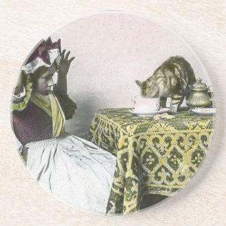 Dessous De Verre En Grès Mauvaise fille de thé vintage de Kitty d'invité
