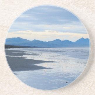 Dessous De Verre En Grès Mer côtière rocailleuse d'océan de plage de