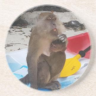 Dessous De Verre En Grès Mère et bébé de singe