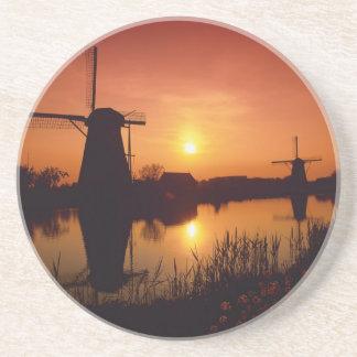 Dessous De Verre En Grès Moulins à vent au coucher du soleil, Kinderdijk,