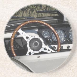Dessous De Verre En Grès Tableau de bord d'une vieille voiture classique