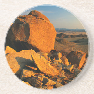 Dessous De Verre En Grès Vallée rocheuse d'affleurement et de désert,