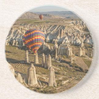 Dessous De Verre En Grès Vue aérienne des ballons à air chauds, Cappadocia