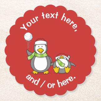 Dessous-de-verre En Papier Noël lançant des boules de neige des pingouins